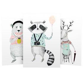3er Set Wandbilder für Baby & Kinderzimmer Deko Poster | Kunstdruck DIN A4 ohne Rahmen und Dekoration (W01 Tourist Waschbär Bär Reh)